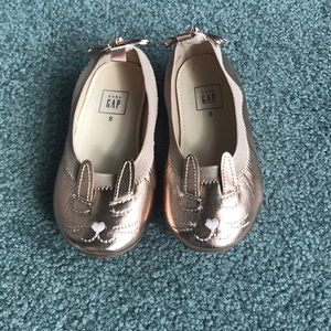 Gold toddler size 8 gap flats with bunny face